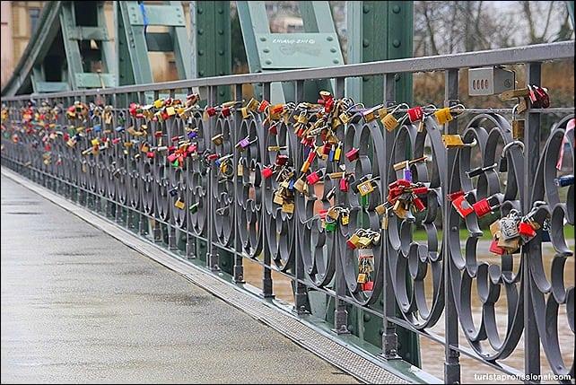 Cadeados do amor - como selar uma viagem romântica