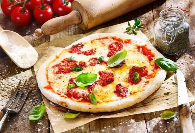 típica pizza napolitana